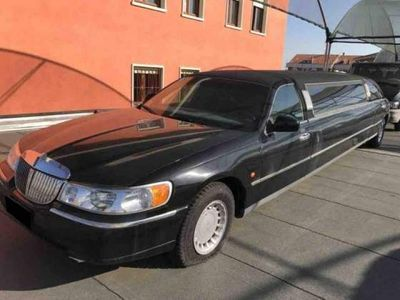 brugt Ford Lincoln town car nero 2001