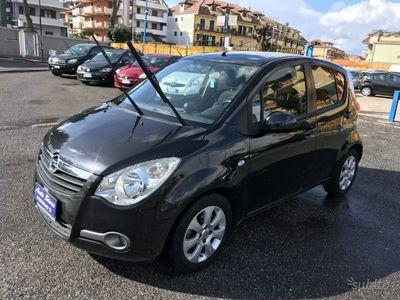 usado Opel Agila cosmo 1.2 benzina 85cv clima anno 2010