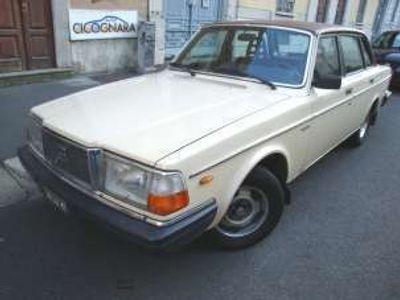 usata Volvo 244 2.0i GLE 4p Milano