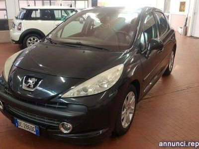 usado Peugeot 207 1.6 HDi 110CV 5p. Féline FAP