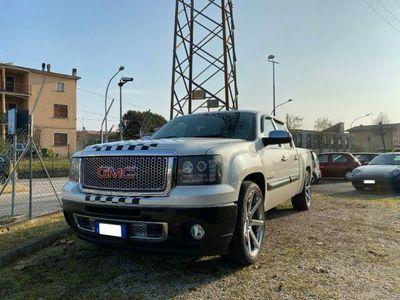 usata GMC Sierra DENALI GANCIO TRAINO IMP. GPL by Gandin Motors San Vendemiano