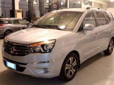 usata Ssangyong Rodius 2.0 Xdi 4WD A/T Delux Diesel