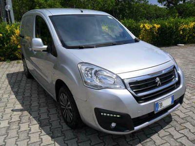 usata Peugeot Partner BlueHDi 100cv Active 3 Posti Euro6 con AdBlue