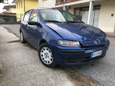 usata Fiat Punto 1.2i 16V 5 Porte EL NEOPATENTATI