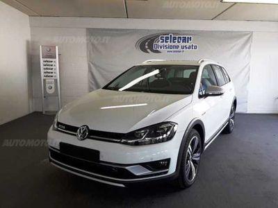 usata VW Golf Alltrack Variant 2.0 TDI 4MOTION Executive BMT nuova a Novara