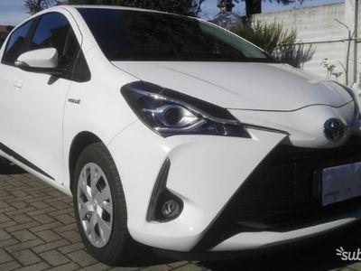 usata Toyota Yaris Hybrid Active