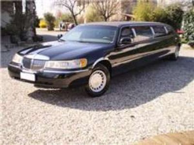 usata Lincoln Town Car limousine linch 120 signature series