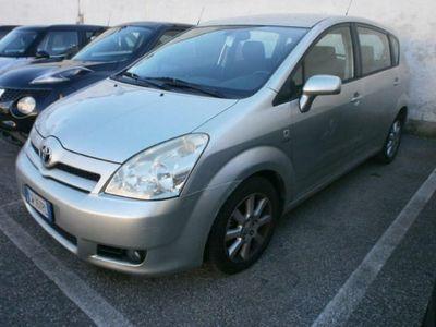usata Toyota Corolla Verso 2.0 16V D-4D Sol
