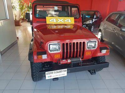 usata Jeep Wrangler 2.5 Laredo-BENZINA-4X4-1990