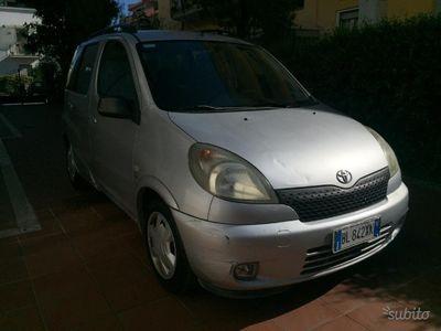 usado Toyota Yaris Verso 1.3 Sol Benzina