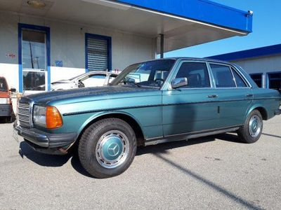 used Mercedes 240 240D usato