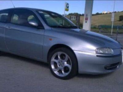usata Alfa Romeo 147 1.6i 16V Twin Spark cat 3p. Distinctive