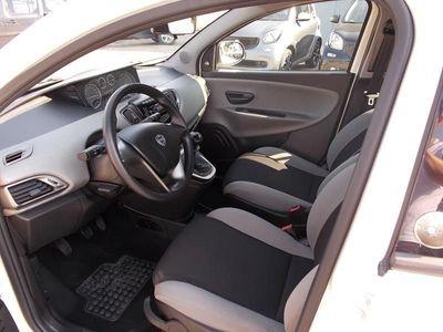 brugt Lancia Ypsilon 2011 Benzina 1.2 8v Gold ecochic Gpl 69cv
