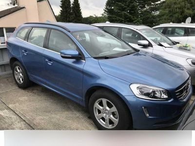 usata Volvo XC60 D5 Awd Geartronic Momentum Blis Abstandstempoma