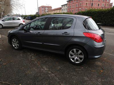 usata Peugeot 308 1.6 benzina anno 2010