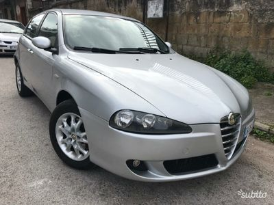 usado Alfa Romeo 1900 147diesel nuovissima