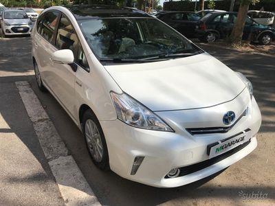 begagnad Toyota Prius+ hybrid lounge bianca rate e permute