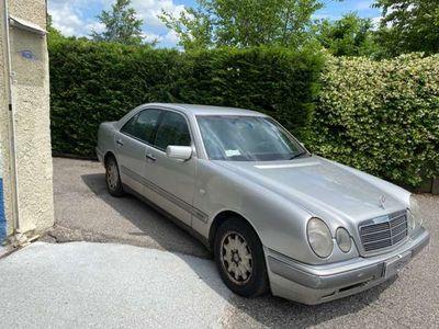 usata Mercedes E250 diesel cat Elegance