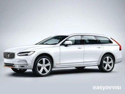 usado Volvo V90 CC D5 AWD Geartronic Pro