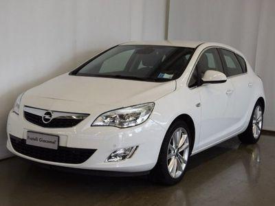 used Opel Astra 1.4 Turbo 140CV 5 porte Cosmo del 2010 usata a Assago