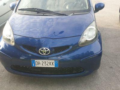 used Toyota Aygo 1.0 benzina con clima, automatico