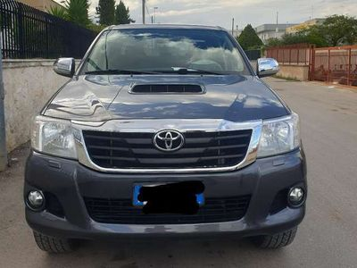 usata Toyota HiLux 3.0 D-4D 4WD 4p. DC Stylex