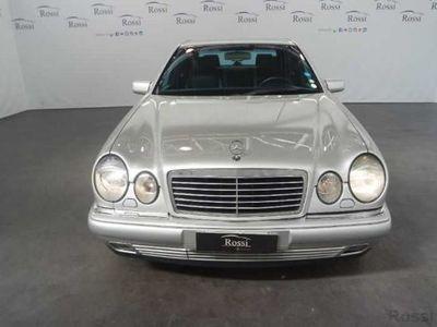 używany Mercedes E200 Avantgarde