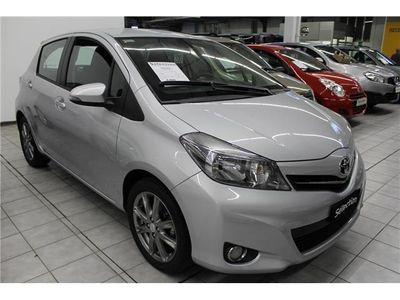 usata Toyota Yaris 1.3 5 porte Style RETRO CAMERA