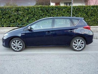 usata Toyota Auris Hybrid IVA ESPOSTA