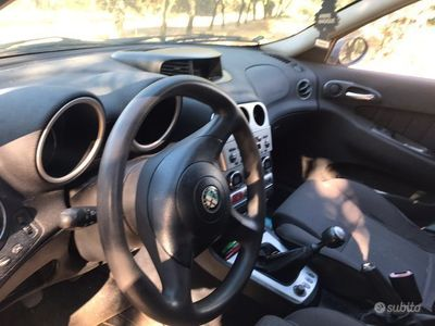 usata Alfa Romeo 1900 156115cv jtd