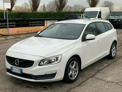 usata Volvo V60 2.0 Diesel 120 CV 2017 D2 euro6B