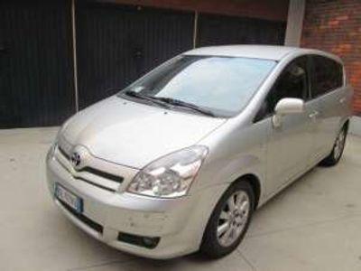 usata Toyota Corolla Verso 2.2 16V D-4D revisionato Diesel