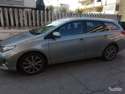 usata Toyota Auris 1.8 Hybrid 5 porte