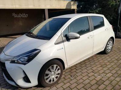 usata Toyota Yaris Hybrid 1.5 Cool 5p.- 2017