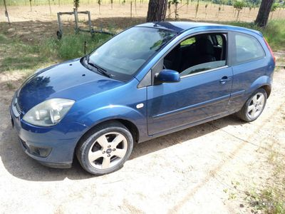 used Ford Fiesta 1.4 tdci euro 4 adatta per NEOPATENTAT