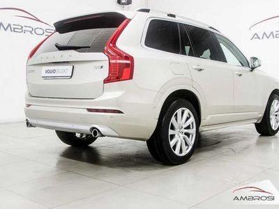 usata Volvo XC90 MOMENTUM D5 AWD AUT 7 POSTI 225 CV