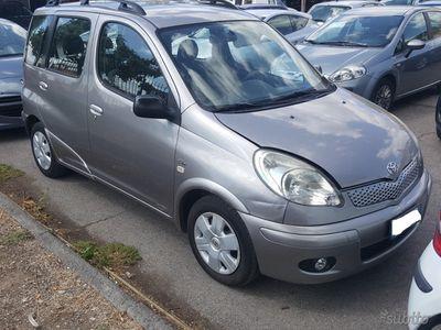 usata Toyota Verso-S - 2004