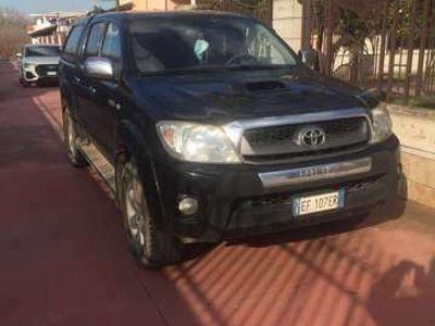 usata Toyota HiLux 3.0 D-4D aut.4WD 4p. Doub. Cab SR