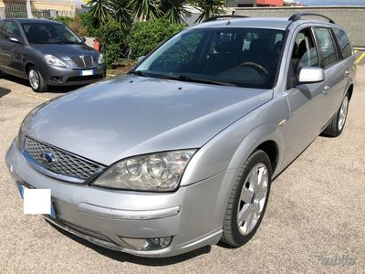 brugt Ford Mondeo 2.0 16V TDCi (130CV) STATION GHIA PELL