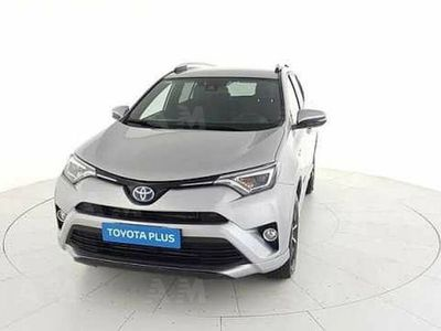 second-hand Toyota RAV4 Hybrid 2WD Exclusive del 2017 usata a San Giovanni Teatino
