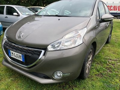 usado Peugeot 208 - 2012 neopatentati euro 5