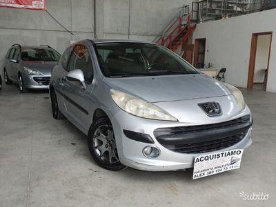 used Peugeot 207 1.4 benzina ideale per i nuovi paten