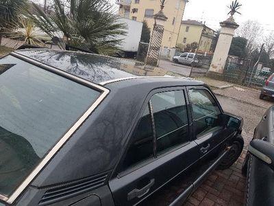 używany Mercedes 190 2.0 diesel