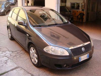 usado Fiat Croma 1.9 Multijet 16V Emotion