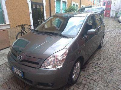 usata Toyota Corolla Verso 2.2 16V D-4D D-Cat