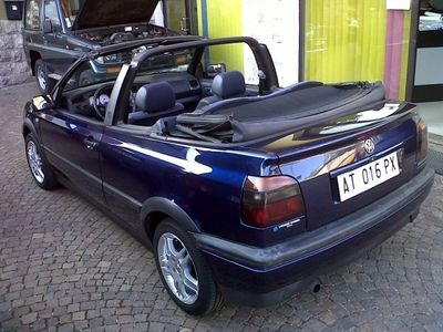 usata VW Golf Cabriolet 1.6 cat Sport 101cv