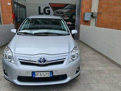 usata Toyota Auris 1.8 ibrida