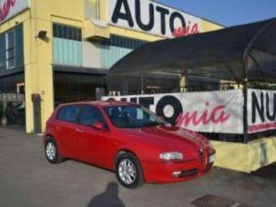 usata Alfa Romeo 147 1.6i 16V Twin Spark 5p. Distinctive Benzina