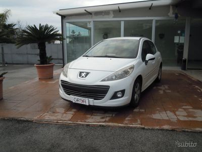 second-hand Peugeot 207 1.6 - 2011