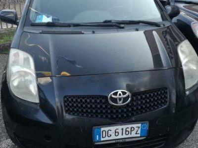usata Toyota Yaris 1.0 5 porte sol benzina
